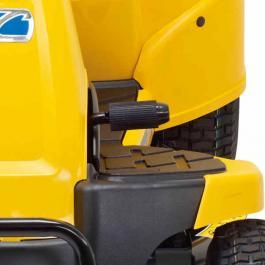Benzinski traktor za košenje trave sa korpom CC 114 TA Cub Cadet