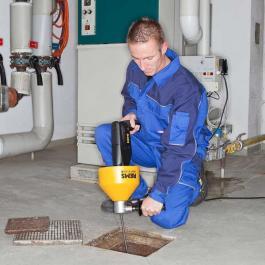 Uredjaj za čiščenje cevi Mini-Cobra REMS