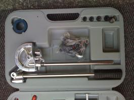 Set za savijanje cevi u koferu Womax