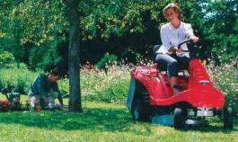 Benzinski traktor za košenje trave  HF 1211 HE HONDA